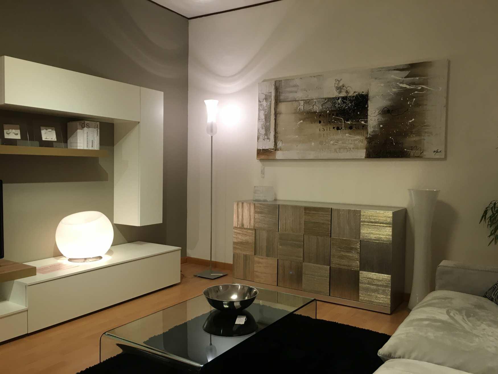 ampi spazi per i mobili di milanomondo da arredamenti