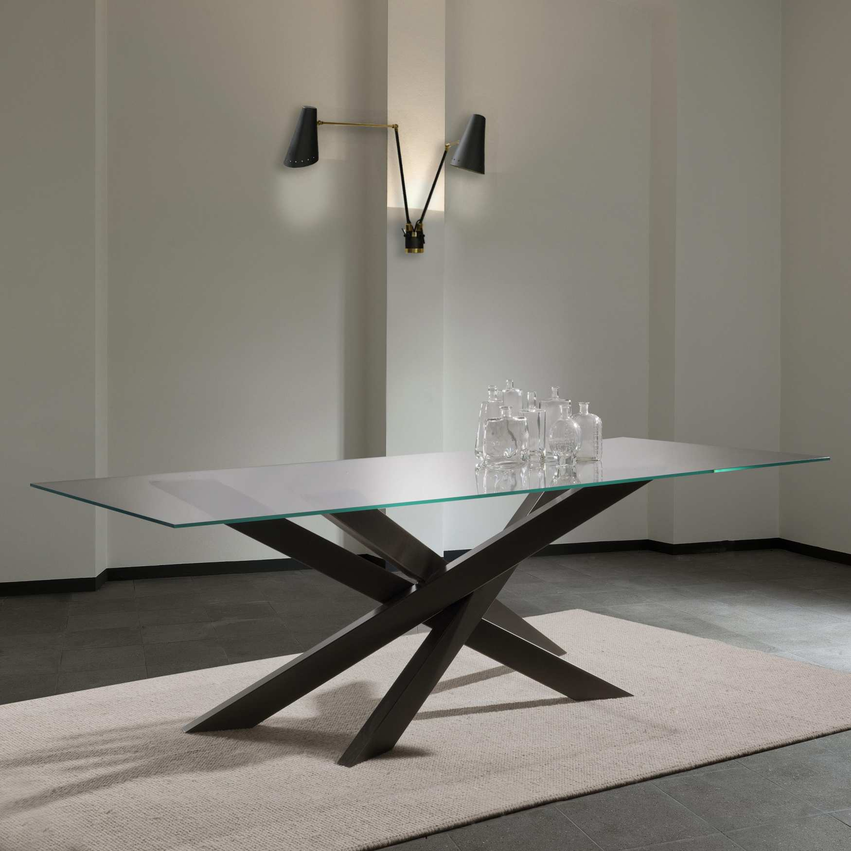 Tavolo in cristallo cooper glass milanomondo for Tavoli in cristallo
