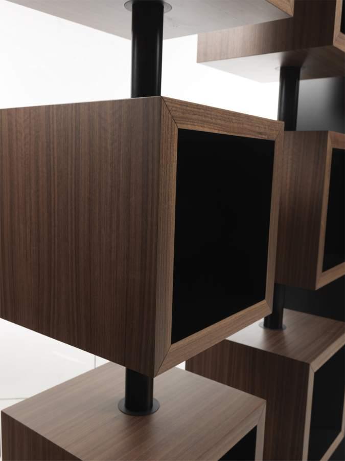Modern design bookcase curvy milanomondo for Vergani arredamenti