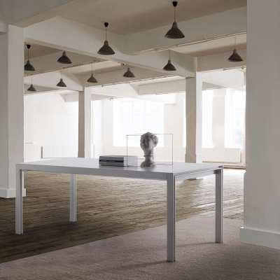 skinny design table white